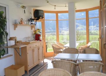 Lounge: Enjoy the Mountains