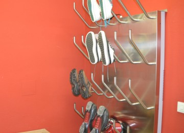 Shoe dryer for the guests
